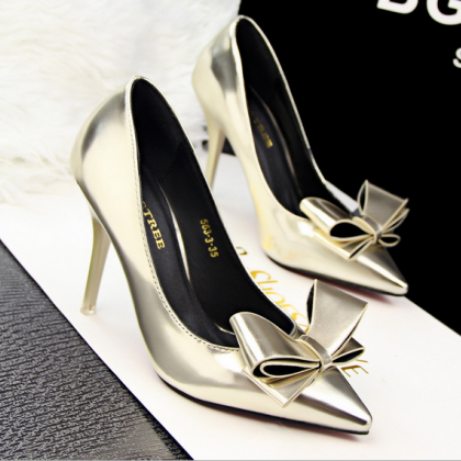 Metallic Bow Accent Pointed-Toe Hig..